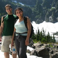 SIngles hiking at lake 22 in the Cascades